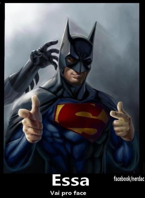 capuz do batman no superman